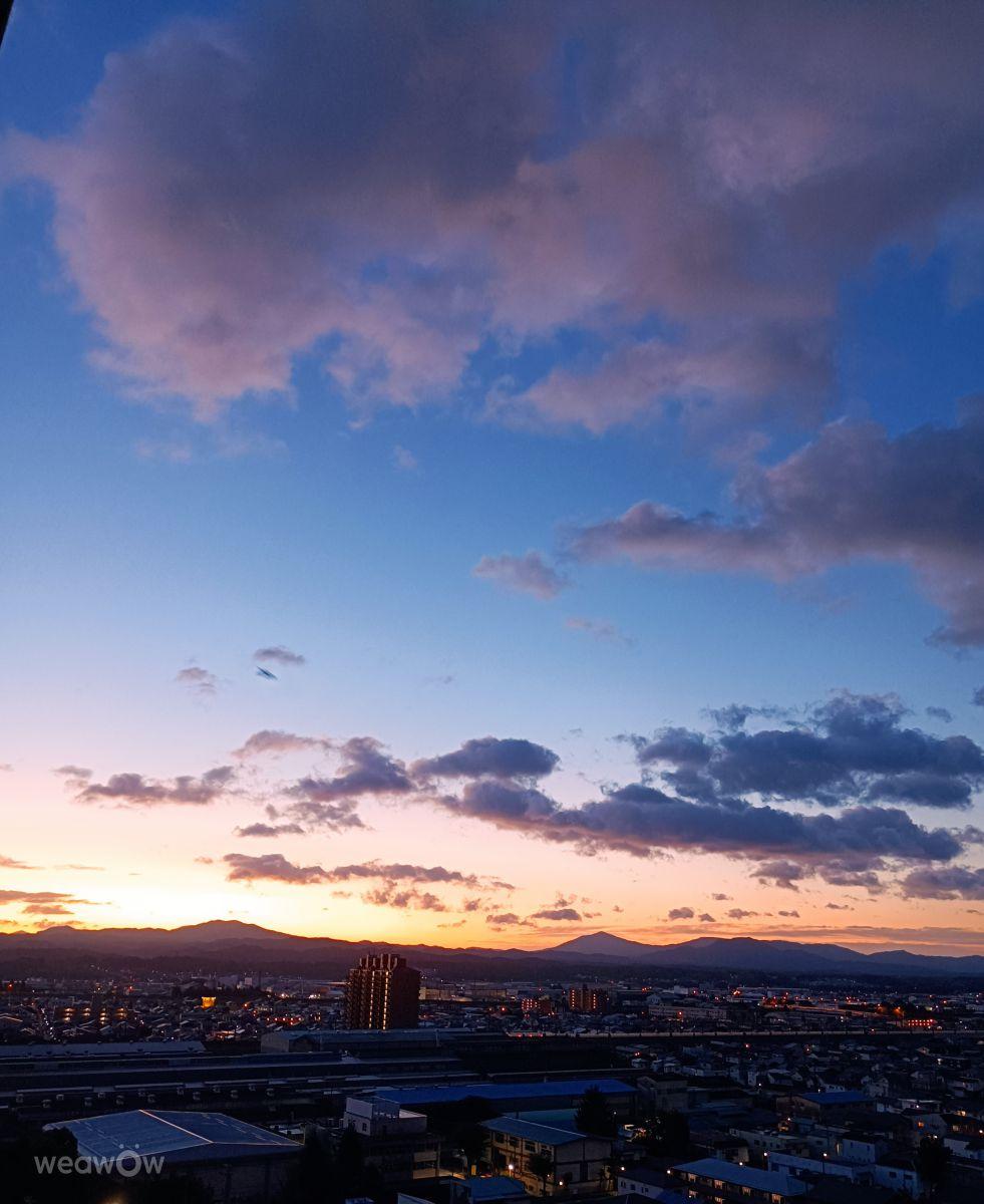 マーケットプレイスの天気写真. PinkSpinelの美しい写真による天気予報