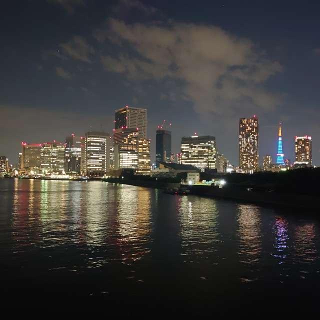 医療従事者へ感謝 ブルーにライトアップされた東京タワー