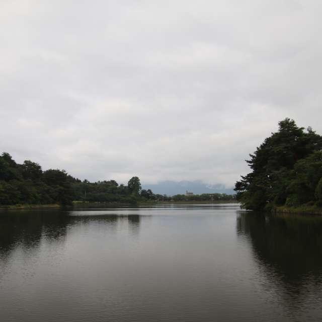 岩手県盛岡市高松の池