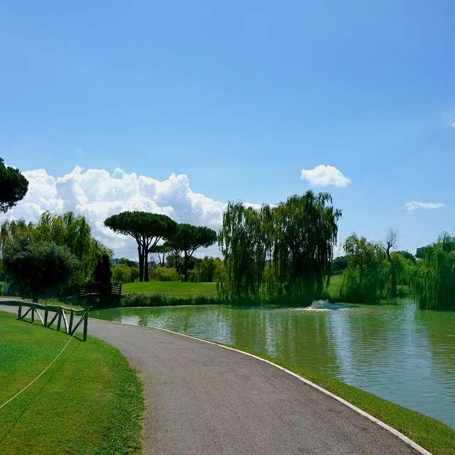 穏やかなゴルフ場