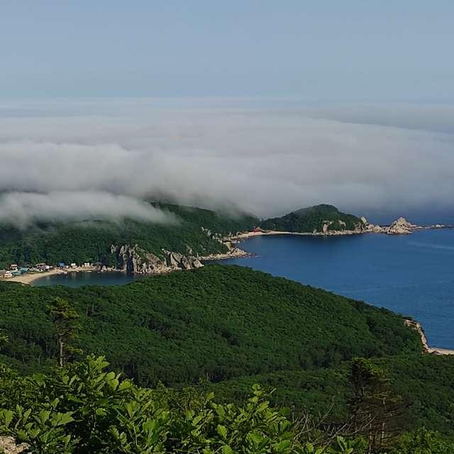 Бухта Спокойная и туман