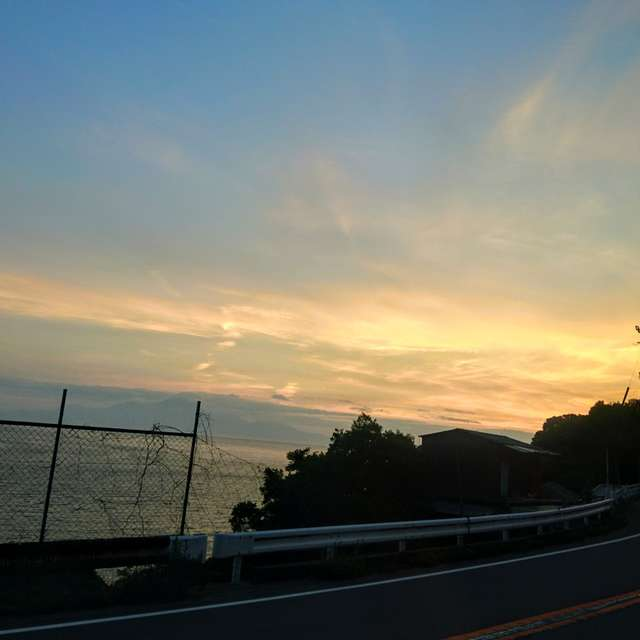 夕暮れのドライブ