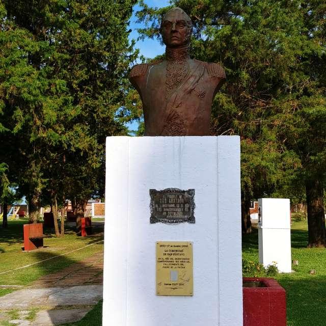 Jose de san martin , heroe
