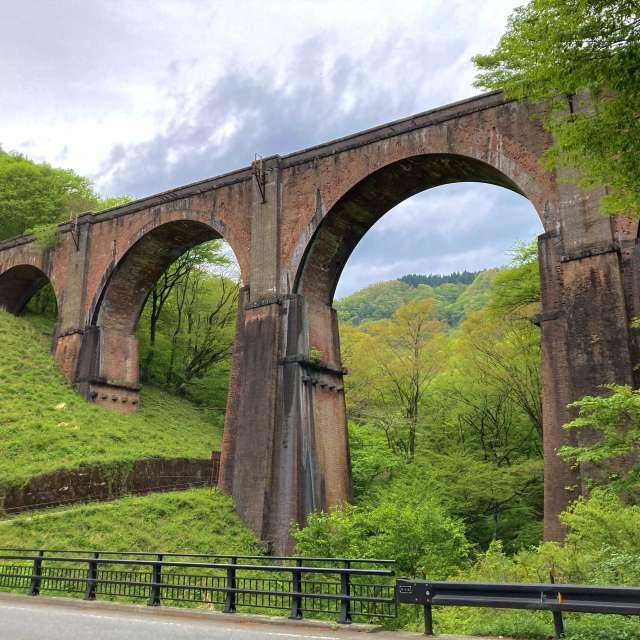 曇天のめがね橋