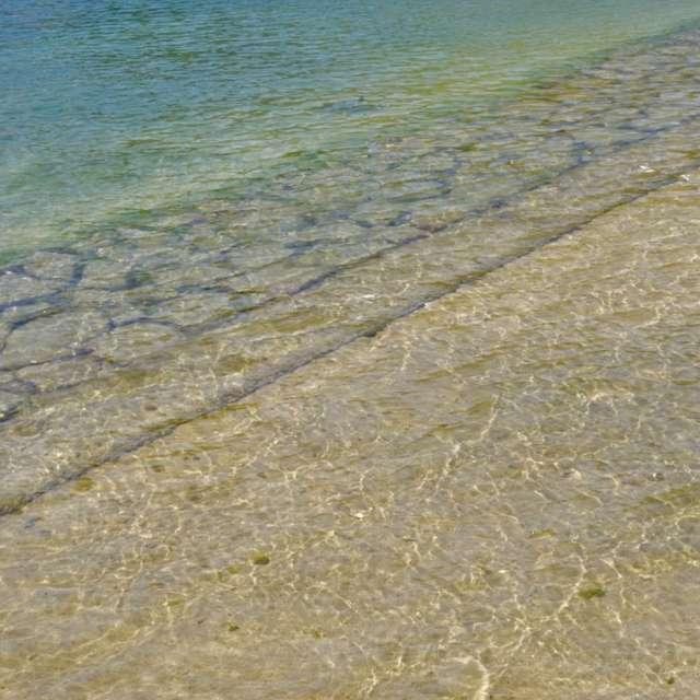 透明感のある海辺