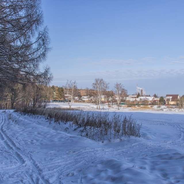 Лыжня у города