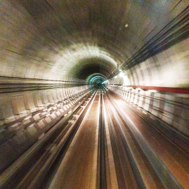 工作中的時空隧道