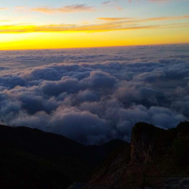唐松岳山頂朝日