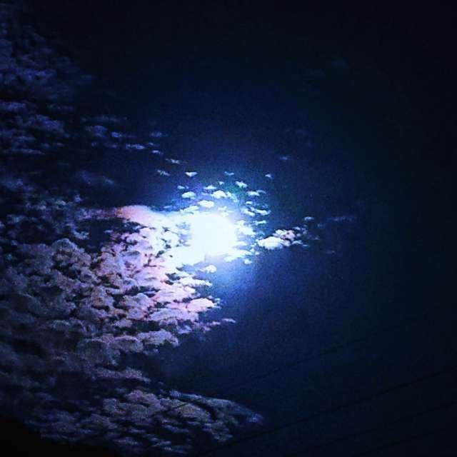 ウエサク満月 (雲が龍っぽい)