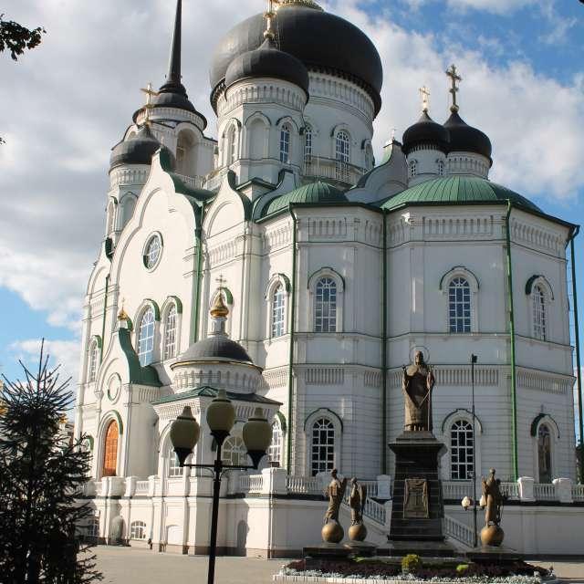 большой белый храм