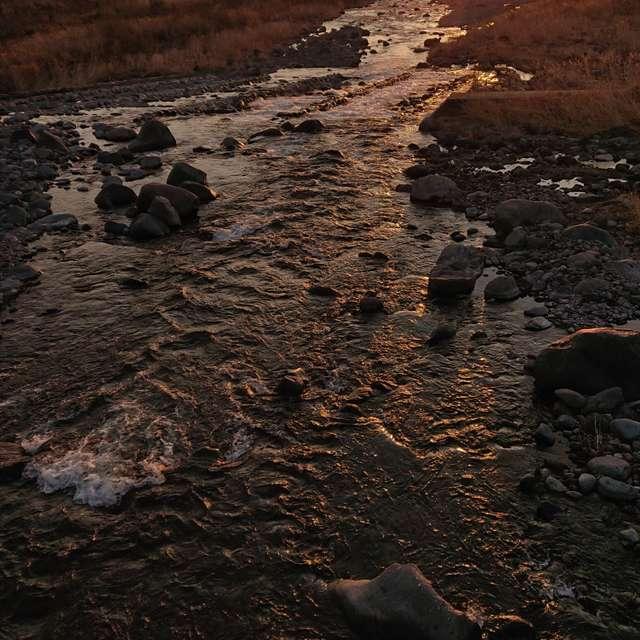 日光の日の出大谷川より