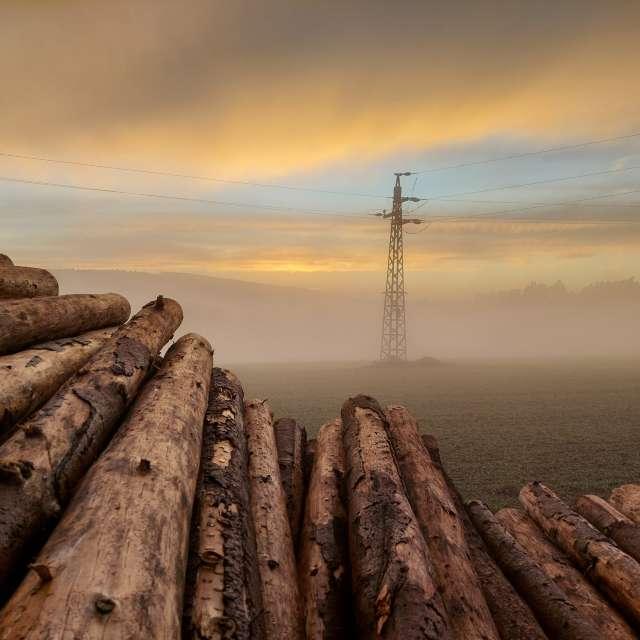 Mlhavý západ slunce