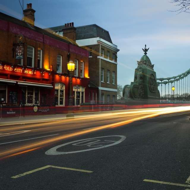 Hammersmith Bridge/London