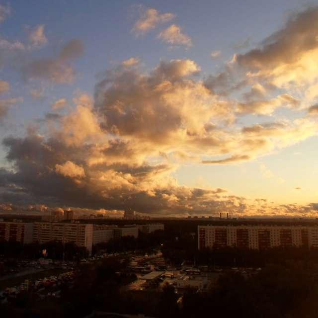 Облака в лучах заката