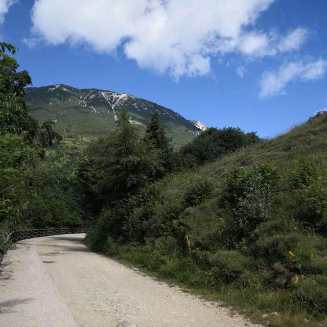 Mountain montagna Garda lake
