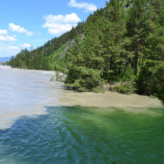 две реки две разных жизни
