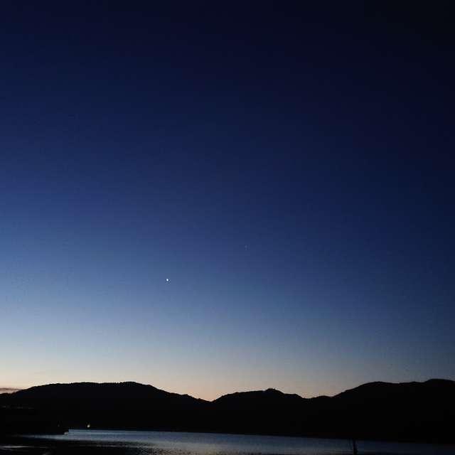 中禅寺湖の月
