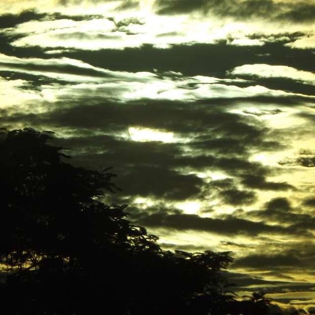 Sol Encoberto