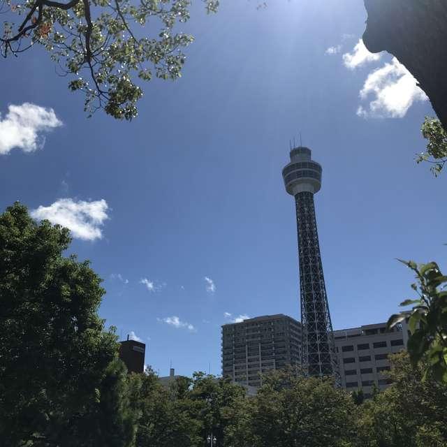 山下公園からのマリンタワー