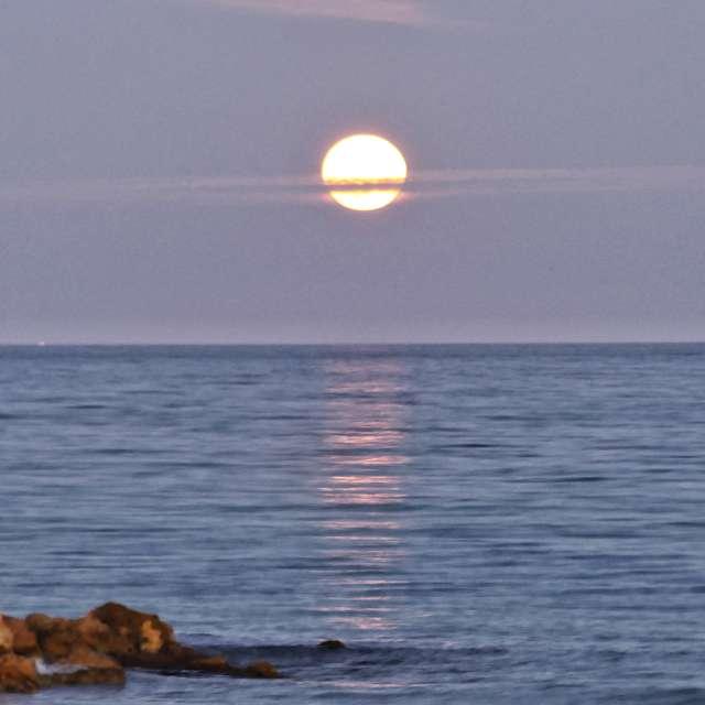 Salida Luna playa de Xeraco.