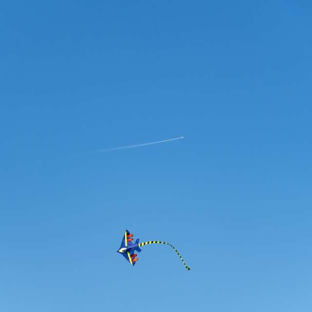 Kite and airplane