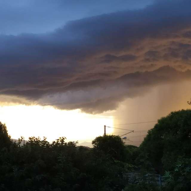 Nuages ciel orageux