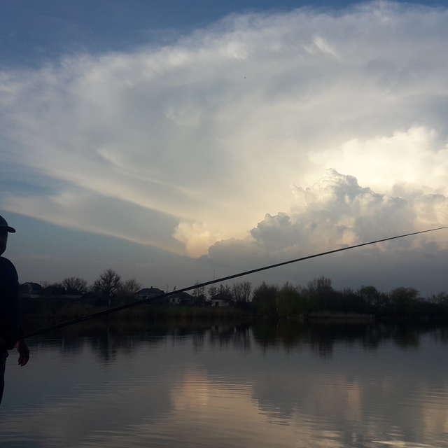 Риболовля перед грозою