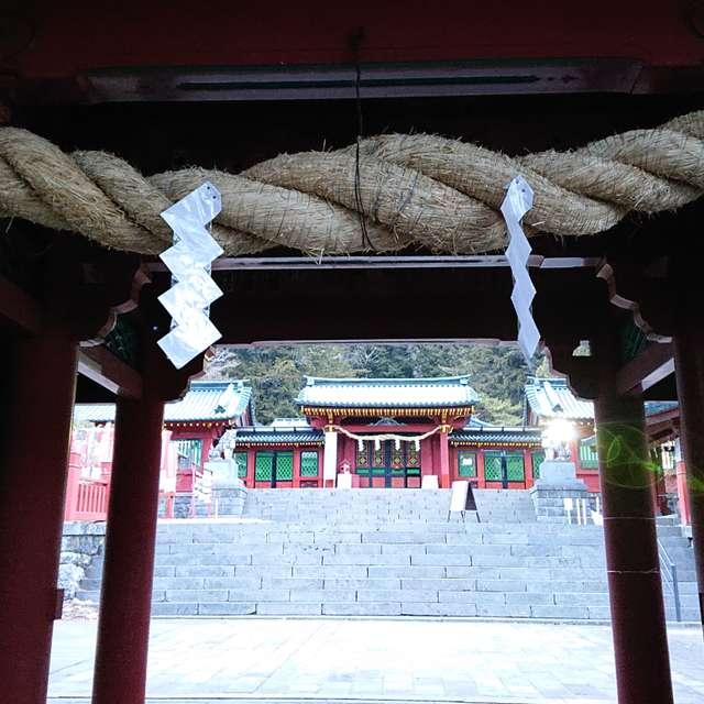 二荒山神社中宮祠の山門より