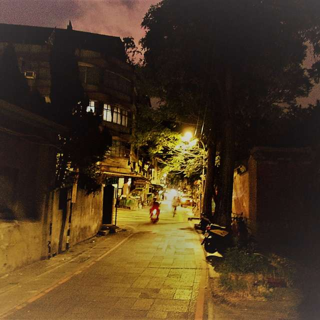 灯の方へ (新北/府中) Toward to light