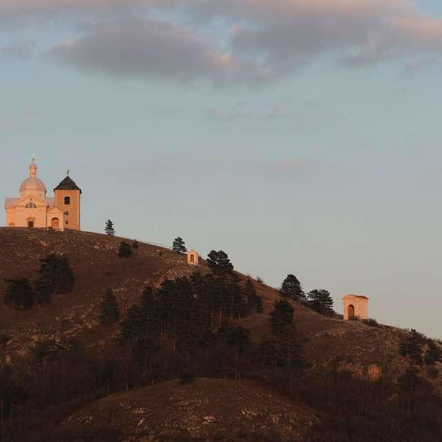 Sv. kopeček (pohled ze zámku)