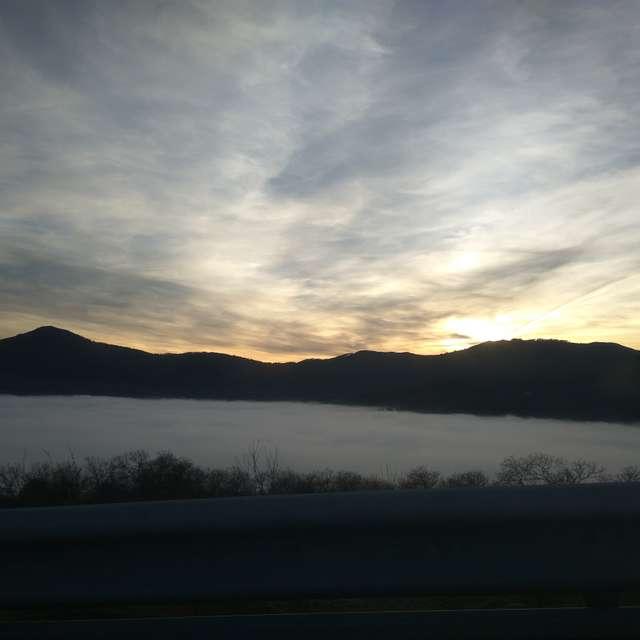 Guadalupe, niebla y cielo.