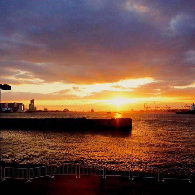 大阪港の夕景
