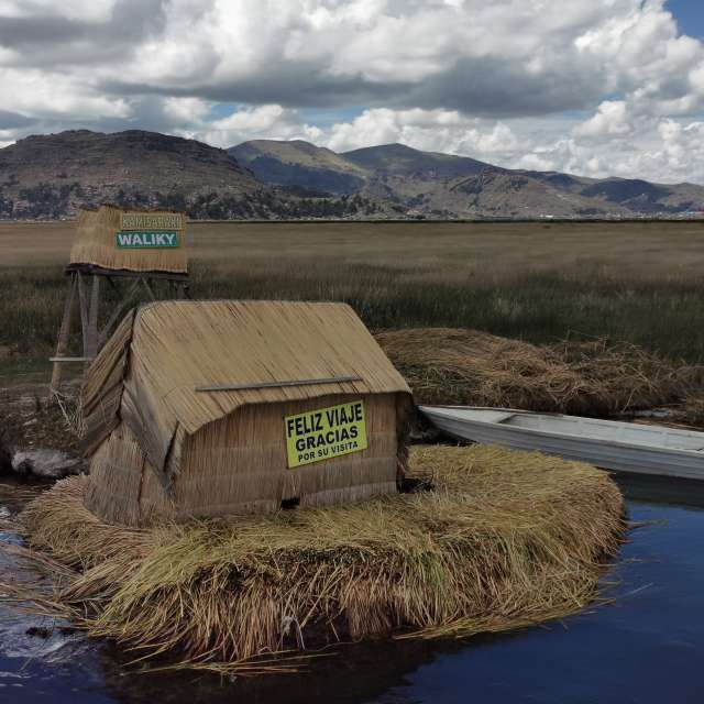 Island of the Uros_Titicacasea