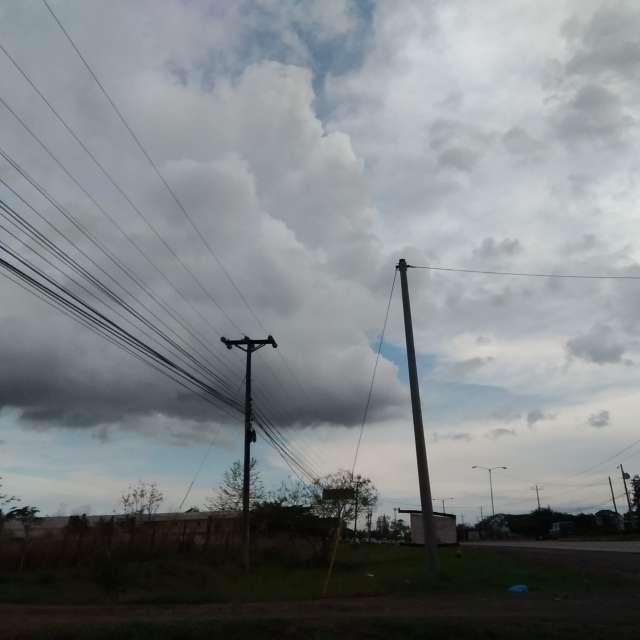 Nublado parcialmente.