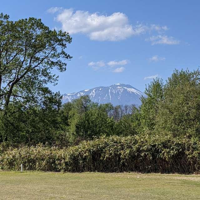 盛岡より岩手山を望む