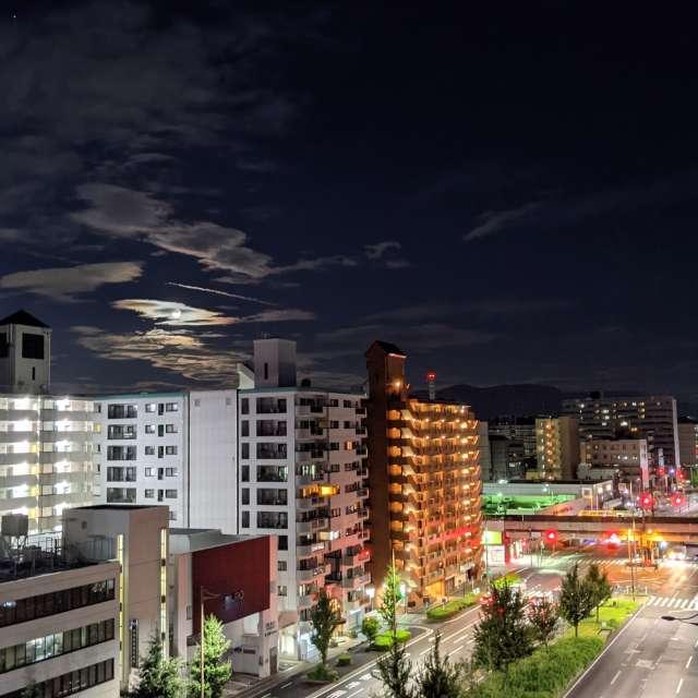 曇り空の下京区