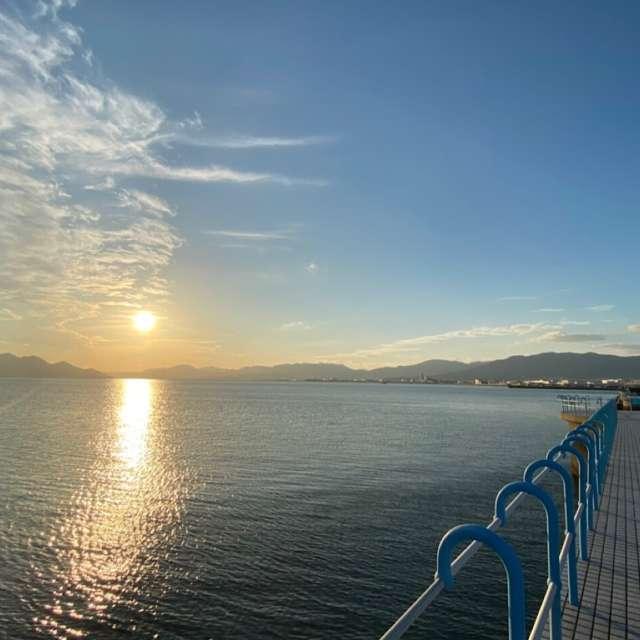 マリーナ海辺 夕陽が沈む時2