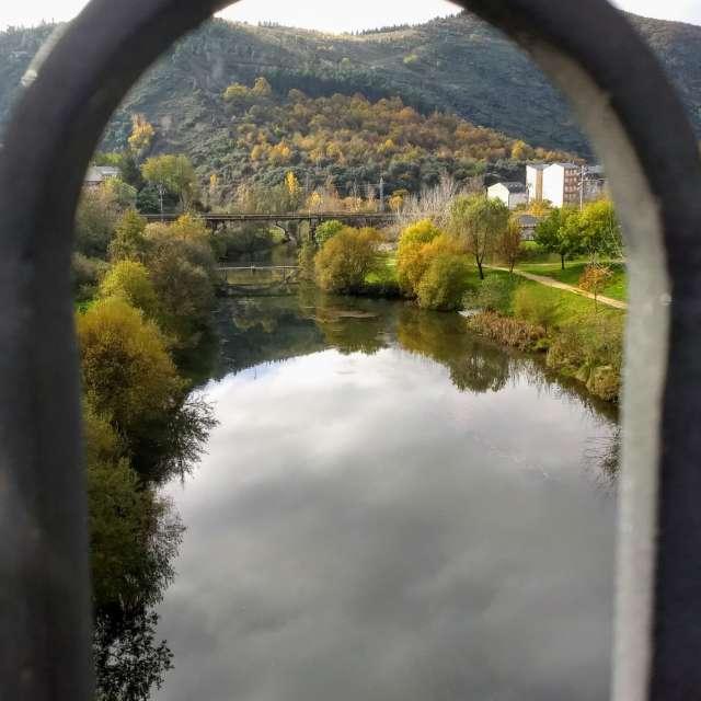 Vista río Sil desde puente.
