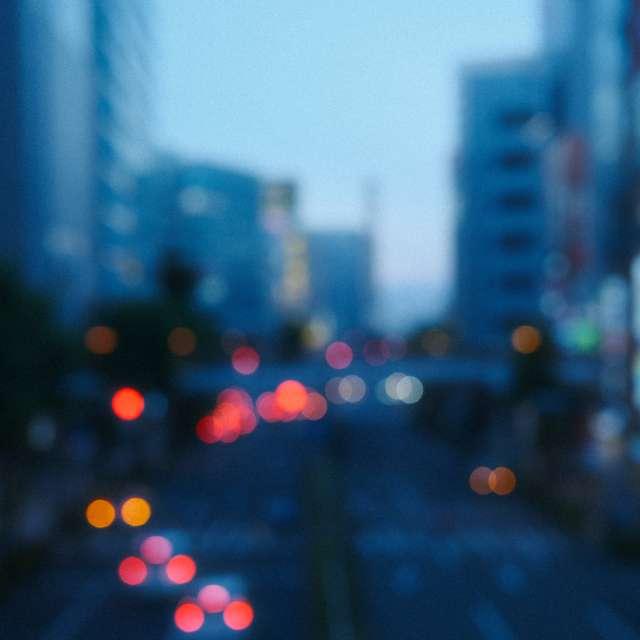 夜の闇が近付いても空は澄んで。立川市にて