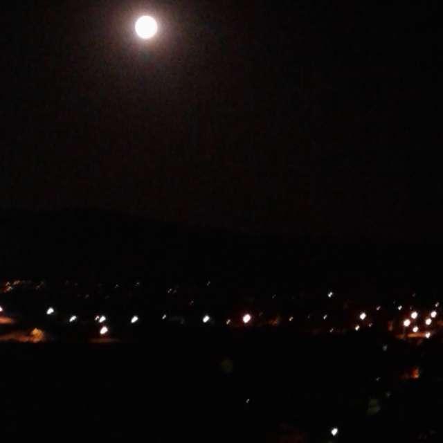 la belle lune à Tabarka
