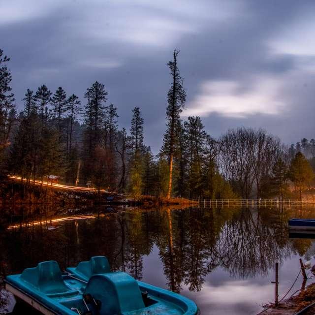 banjosa lake cloudy night