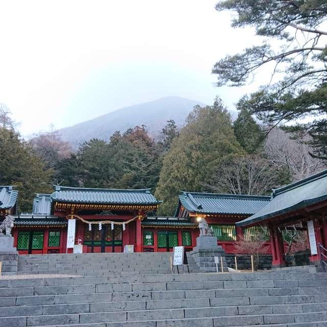 二荒山神社中宮祠と不思議な青い後光