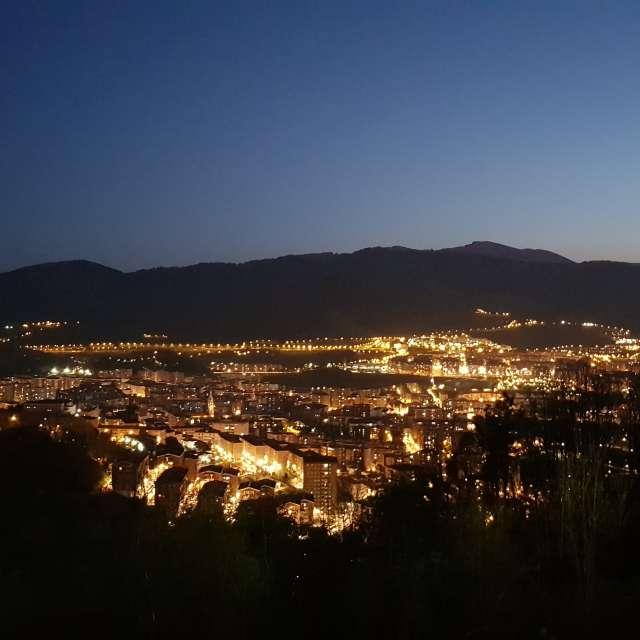 Vistas Bilbao con luna llena