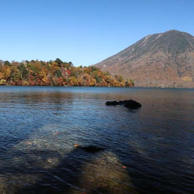 中禅寺湖の秋