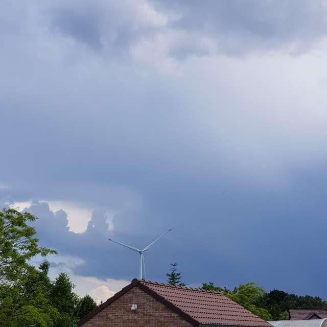 Thunderstorm rise.