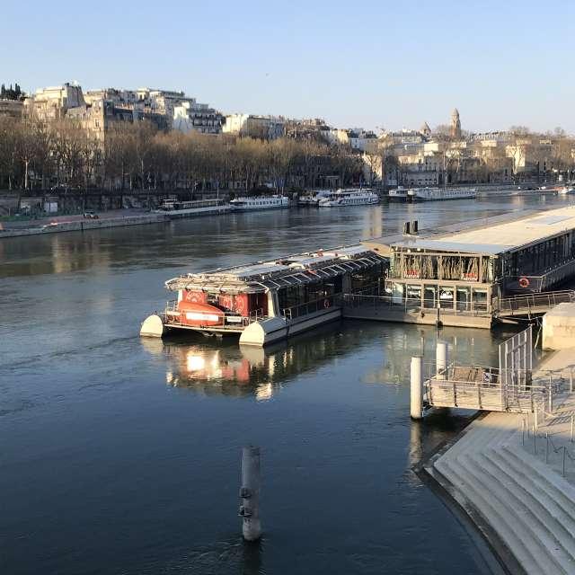 Vue du soir sur la Seine