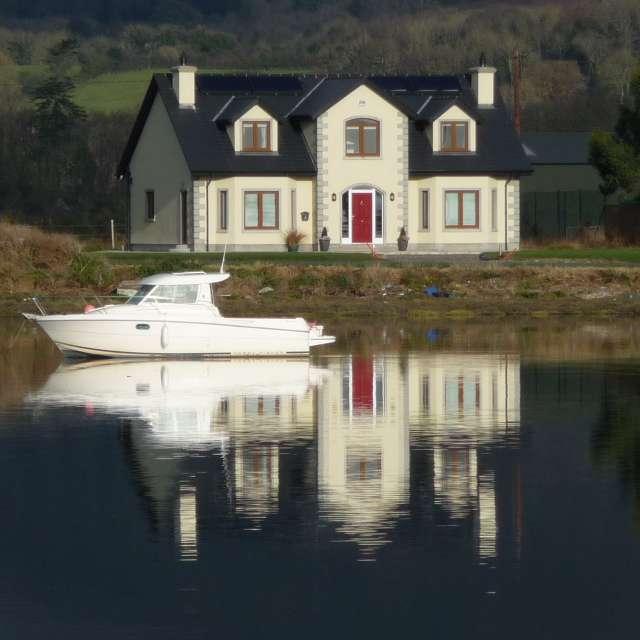Casa y barco