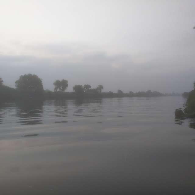 荒川の早朝
