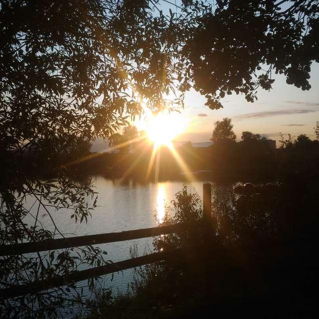 Coucher de soleil lac douzy