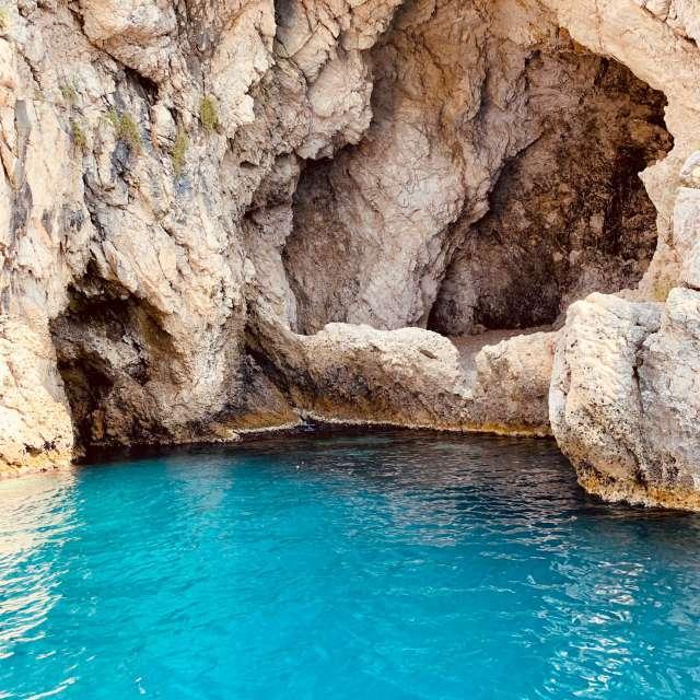 Grotta azzurra.... Taormina